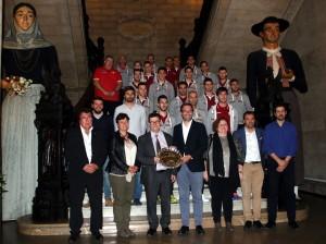 El Palma Futsal y las autoridades posan en la escalinata de Cort