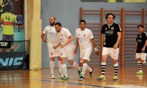 David Pérez, a la izquierda, celebra un gol con sus compañeros de equipo.. 05-05-2018