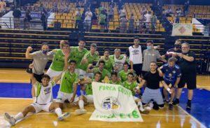 thumbnail_El filial del Palma Futsal celebró el ascenso sobre la pista del Centro Indulas de los Deportes