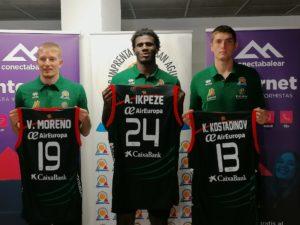 Victor Moreno, Amadi Ikpeze y Kostas kostadinov